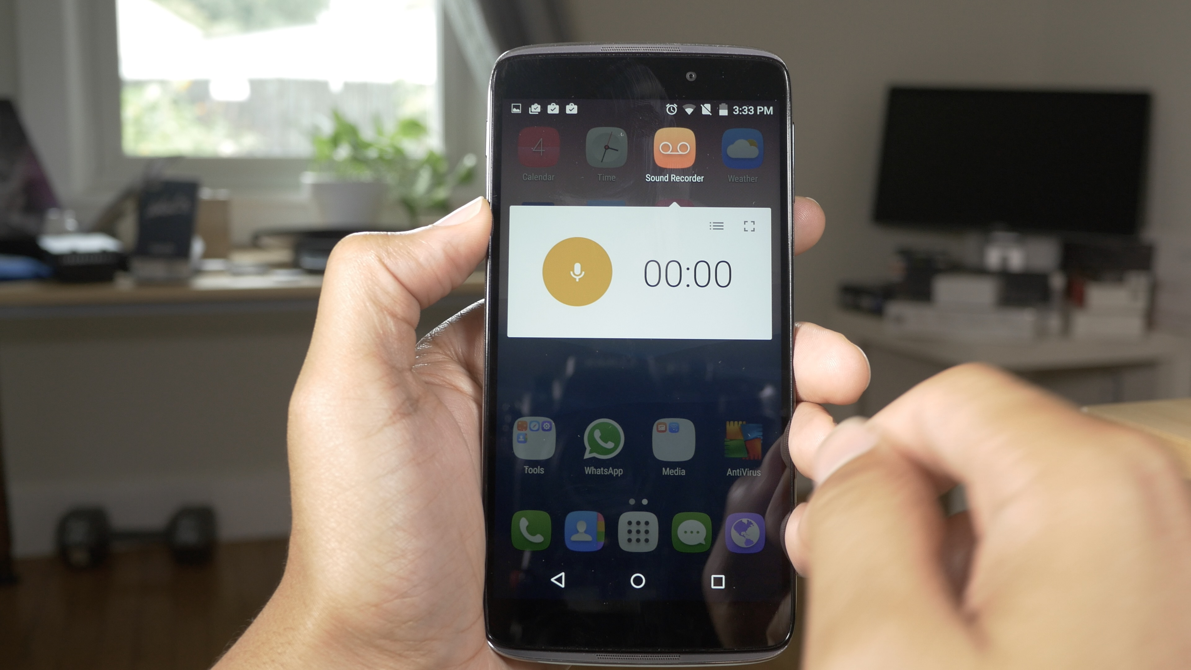 Alcatel OneTouch Idol 3 Review Apps