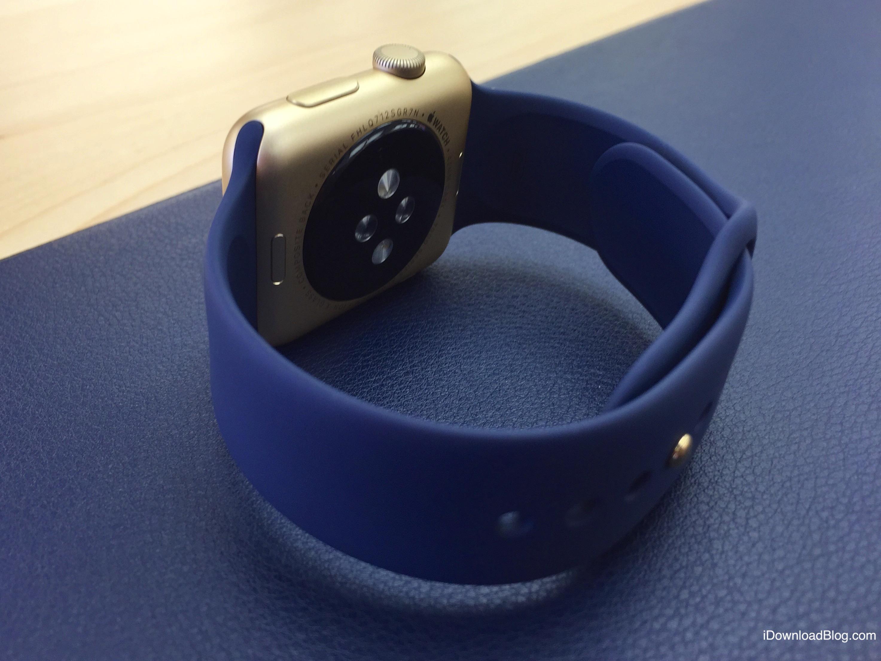 Gold Aluminum Apple Watch Hands on 1
