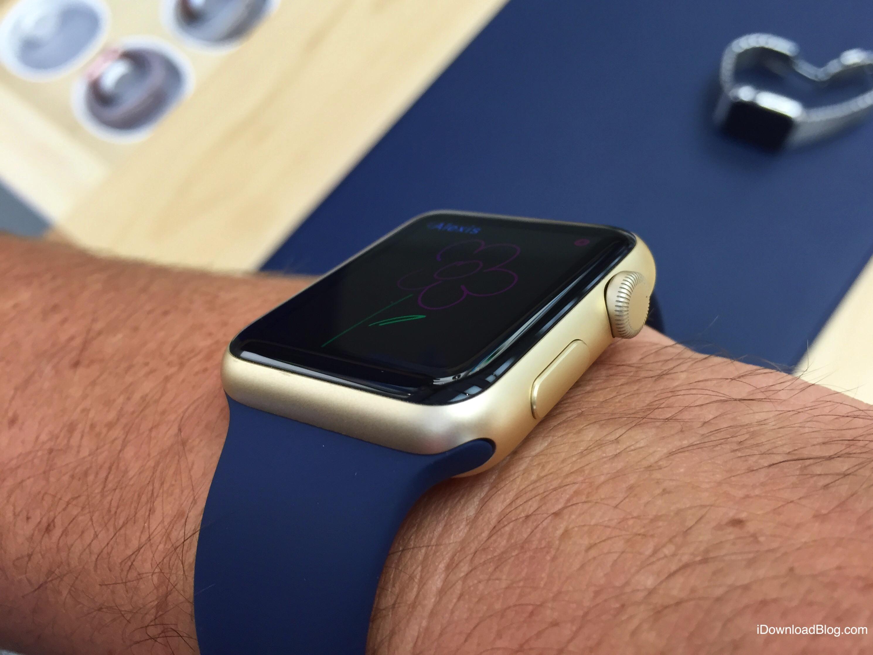 Gold Aluminum Apple Watch Hands on 5