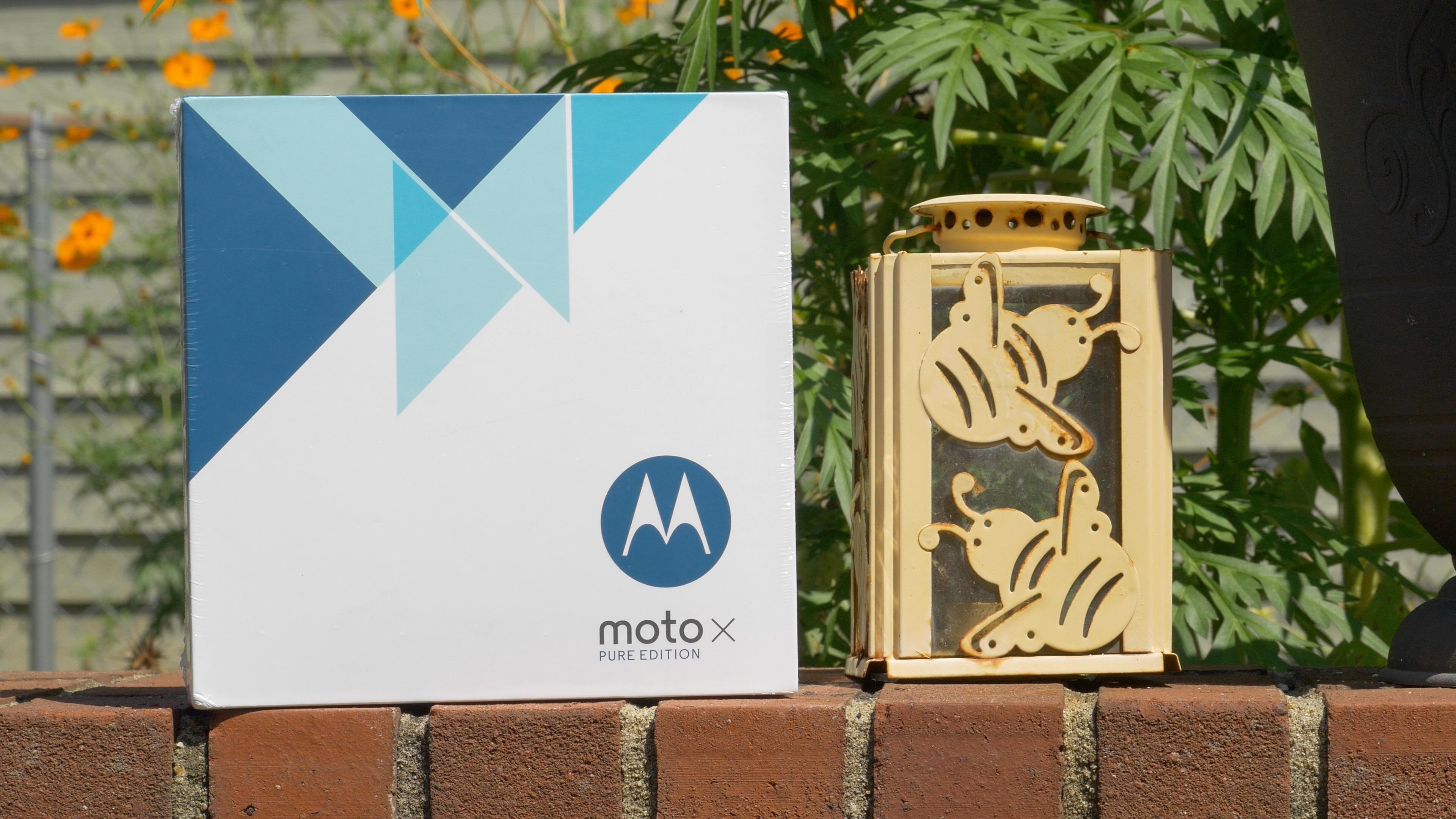 Moto X Pure Box