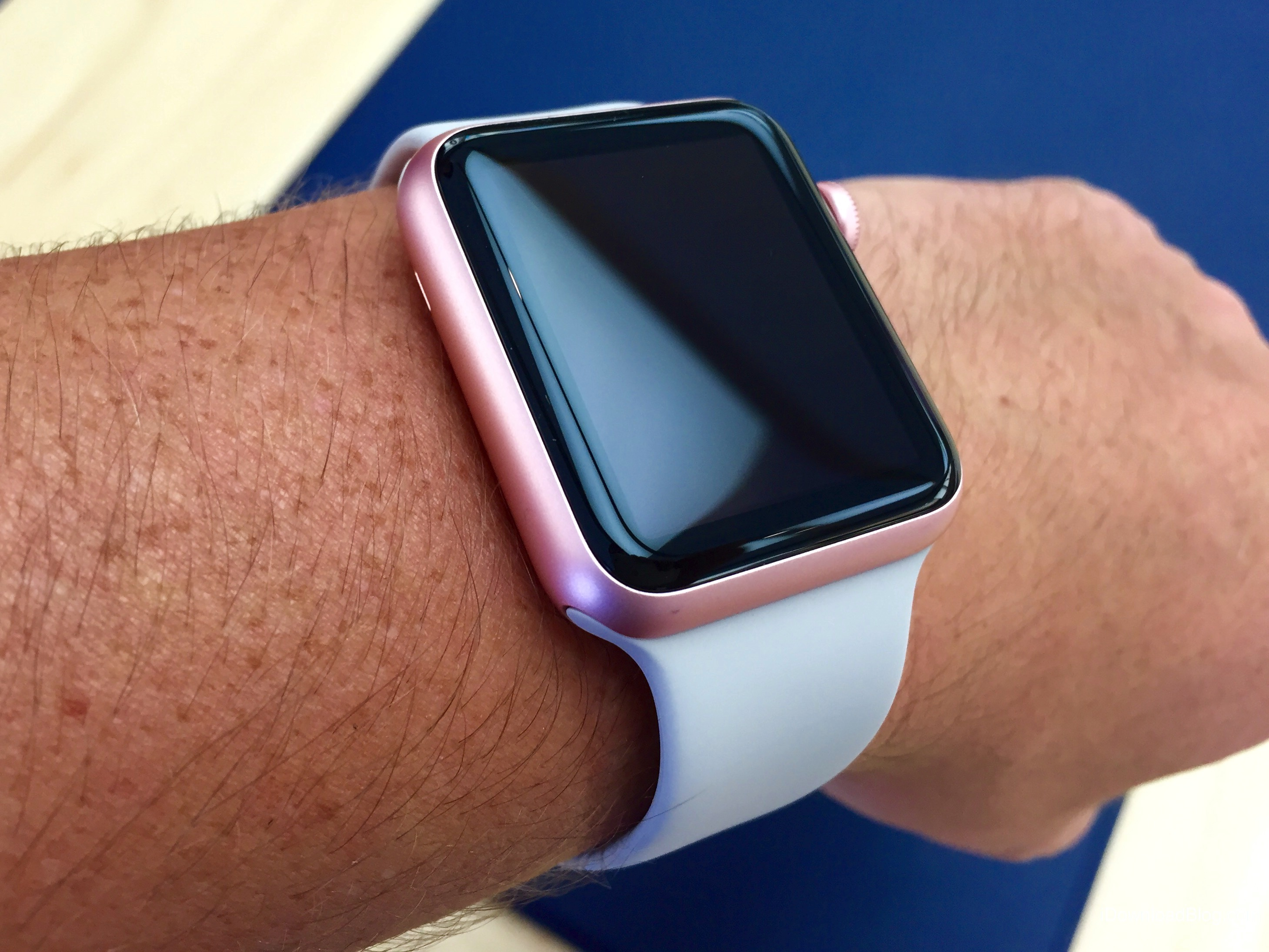 Rose Gold Aluminum Apple Watch Hands on 6