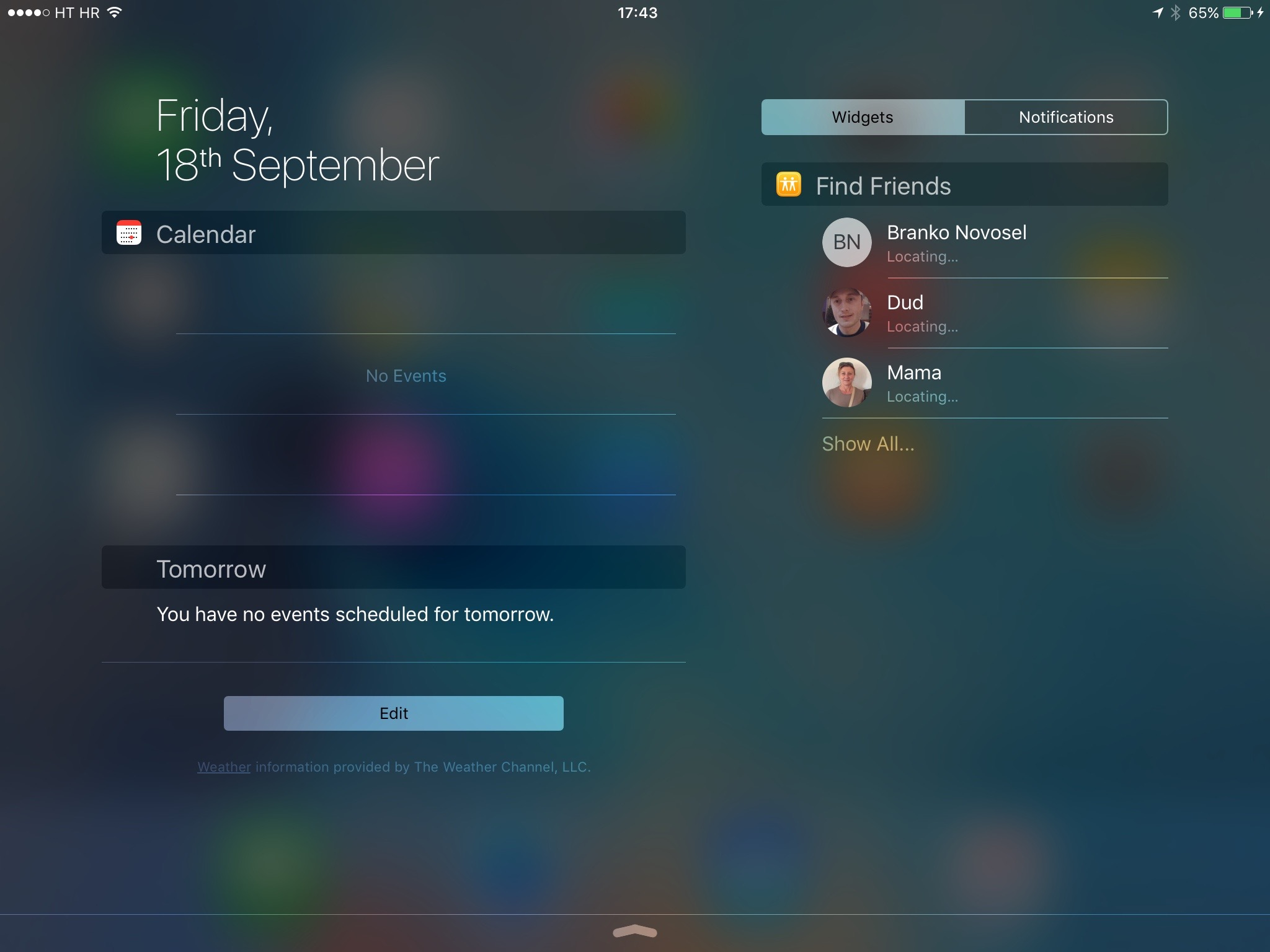 iOS 9 Notification Center landscape view