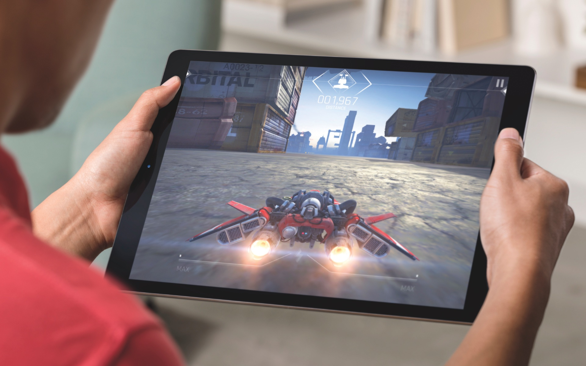 iPad Pro gaming lifestyle 003
