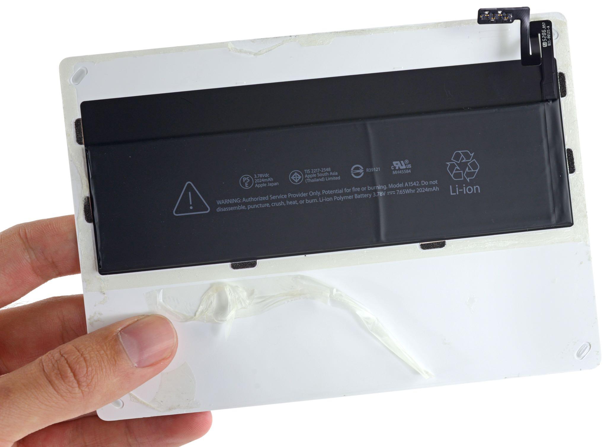 Magic Mouse Trackpad 2 teardown iFixit 003