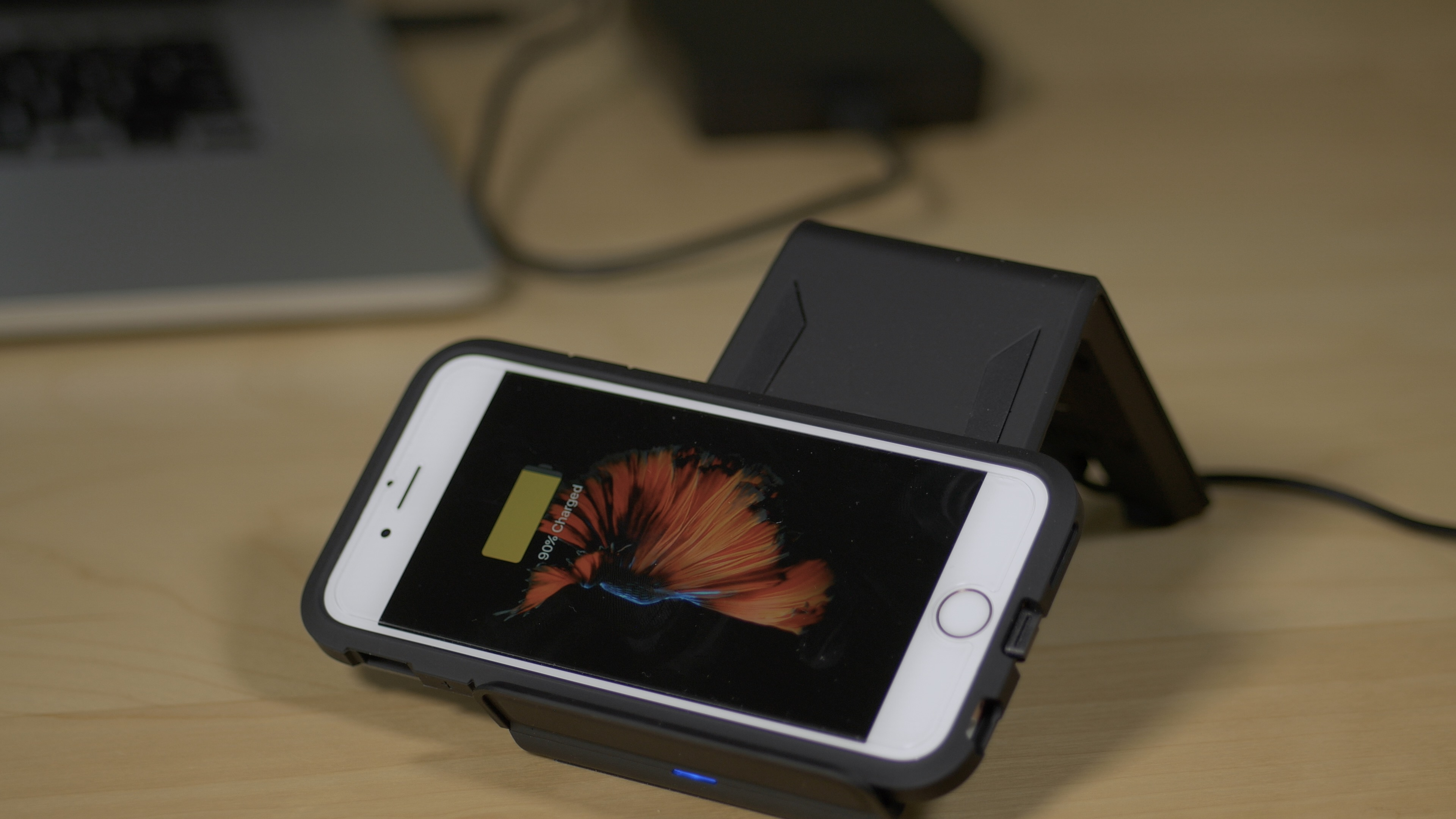 Wireless charging landscape Spigen