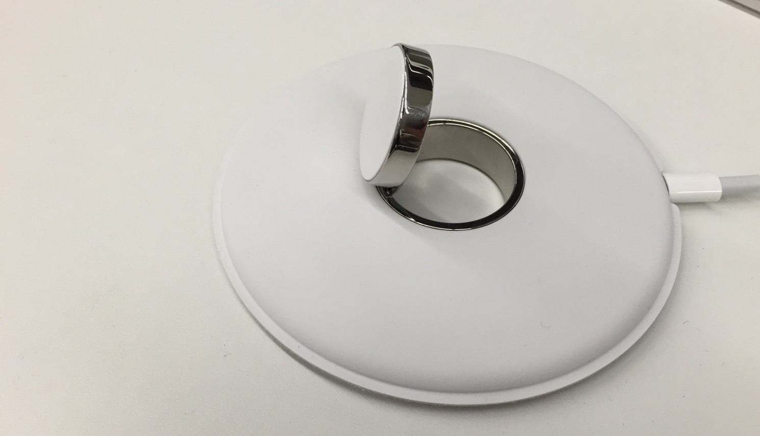 Apple Watch Magnetic Charging Dock image 003
