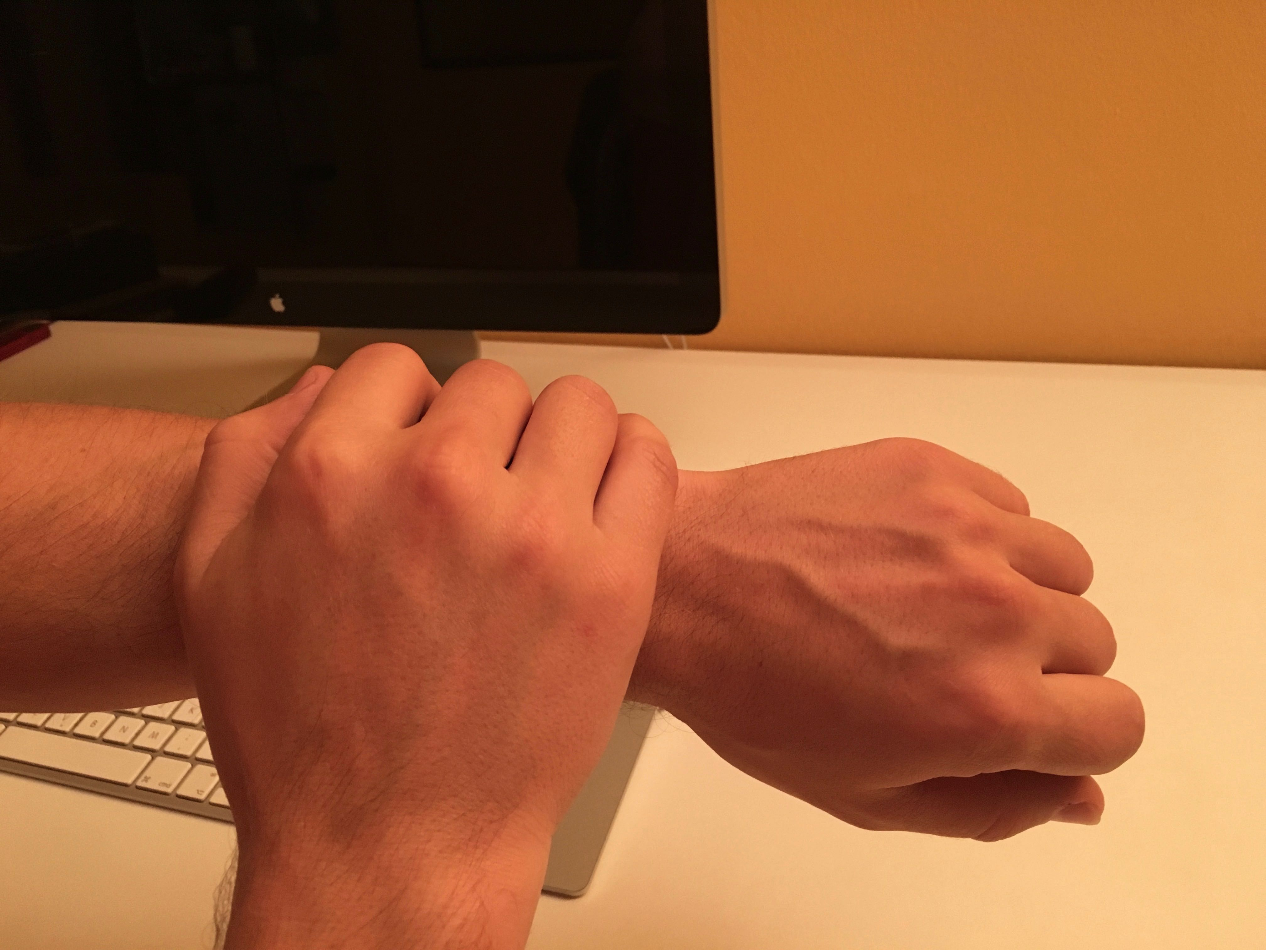Silence Apple Watch with gesture