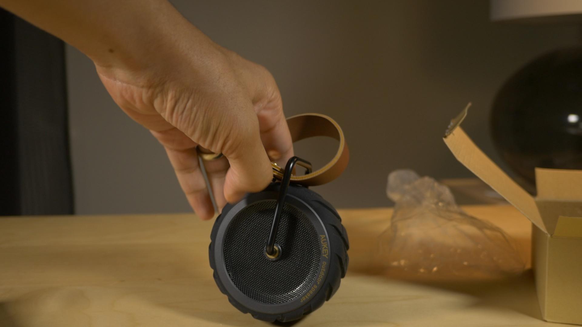 aukey bluetooth speaker unboxing