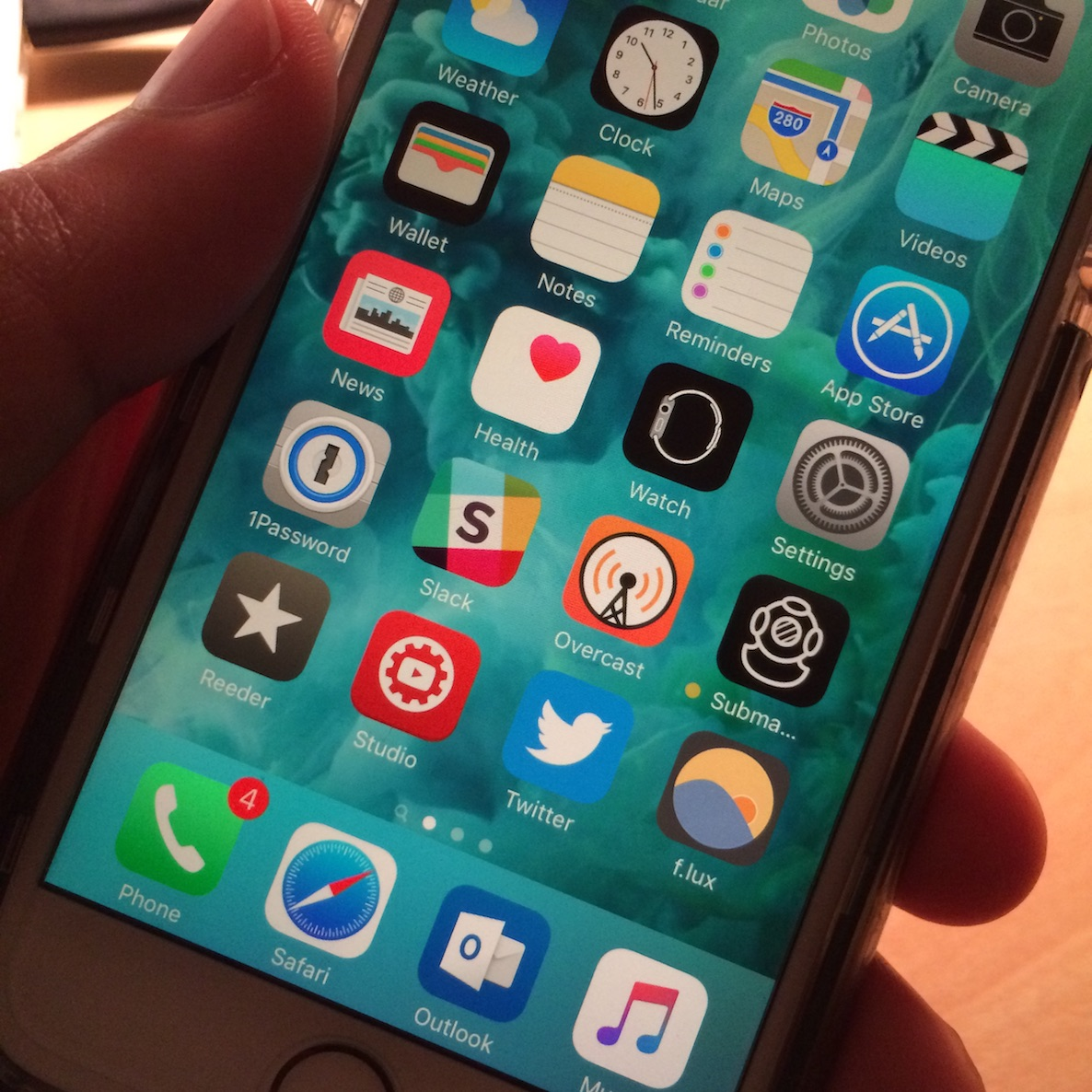 iPhone flux sideload iOS 9