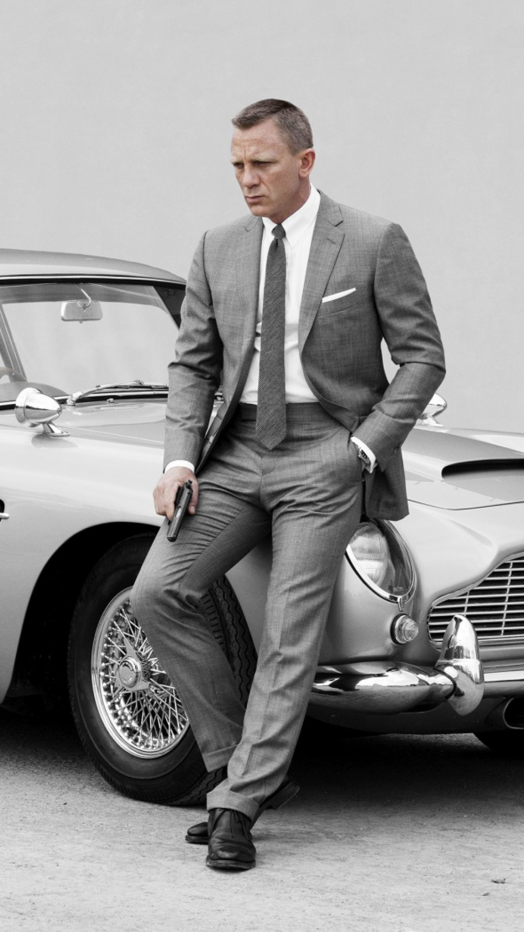 skyfall_james_bond_daniel_craig_aston_martin_db5_99514_1080x1920