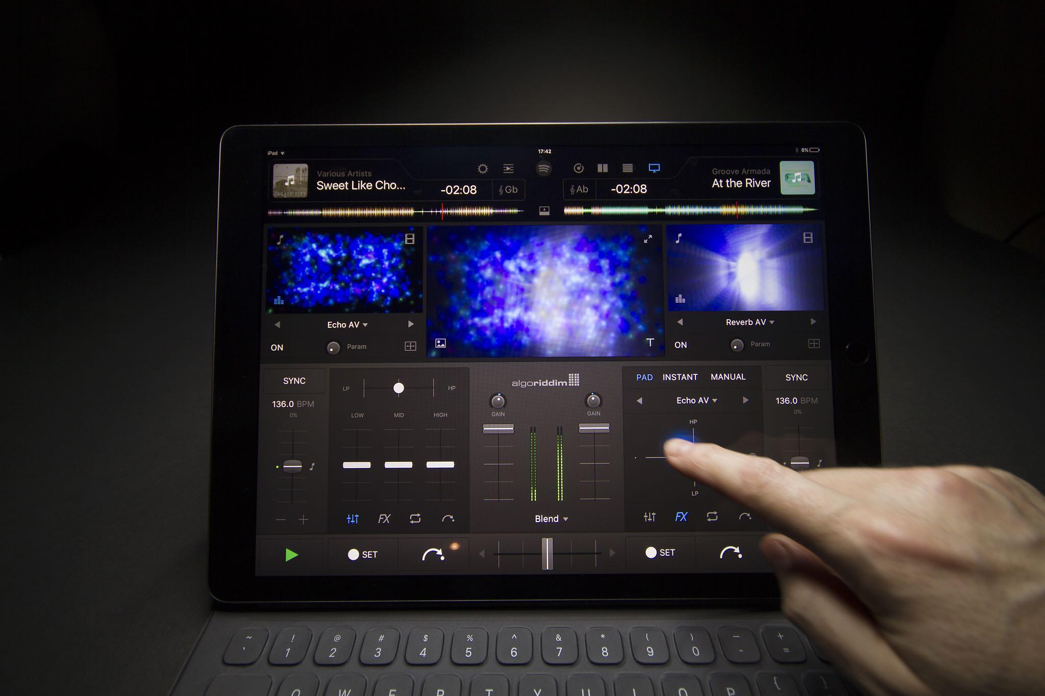 djay Pro 1.0 for iOS teaser 002