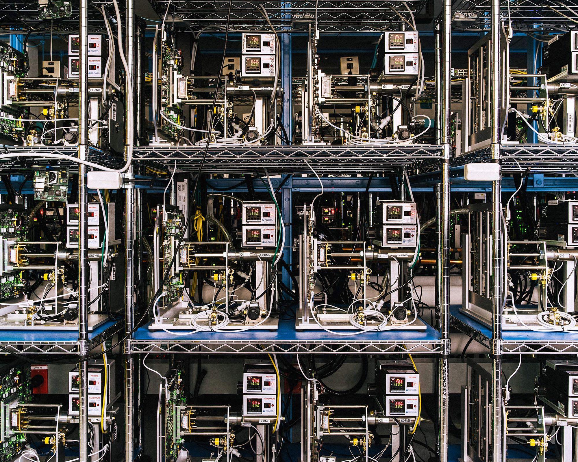Apple chip testing lab Bloomberg 001