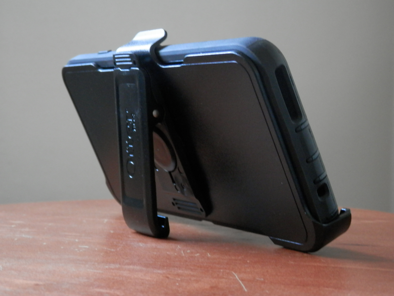 Otterbox Iphone Cases Shootout Which One Should You Get Defender Series New Ipad Black Kickstand Back