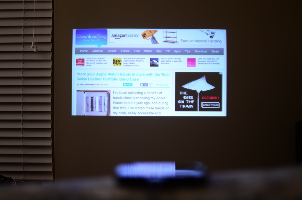 Magnasonic LED Pico Projector Picture