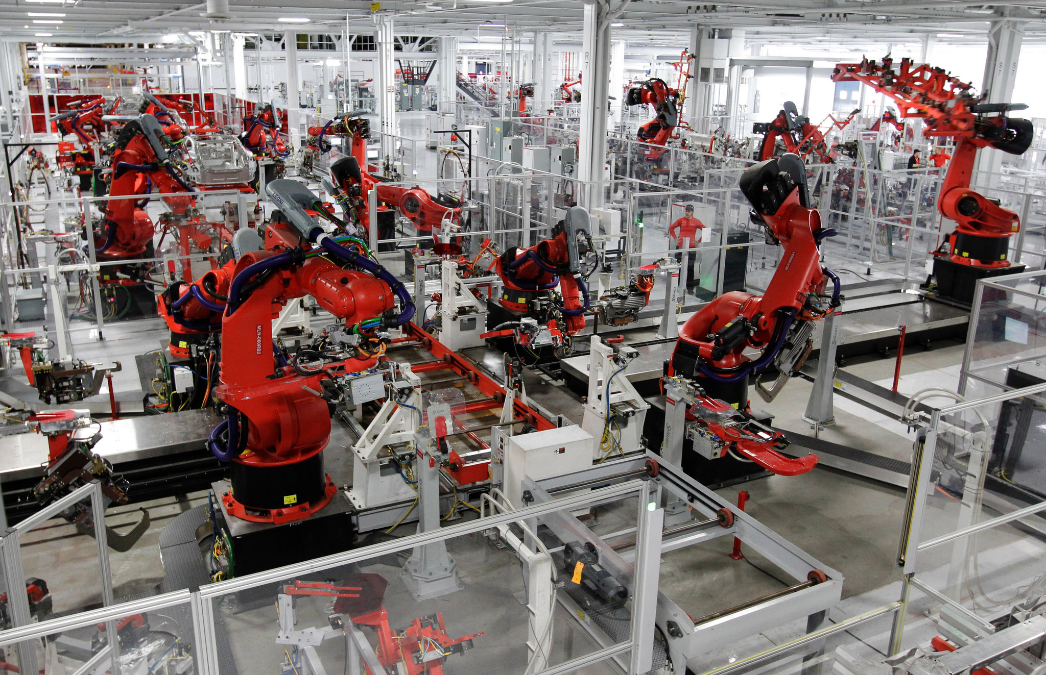 Robots TEsla factory