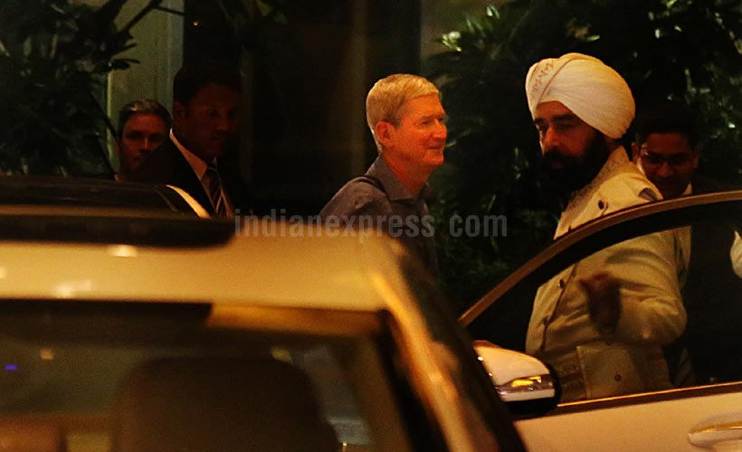 Tim Cook in India image 002