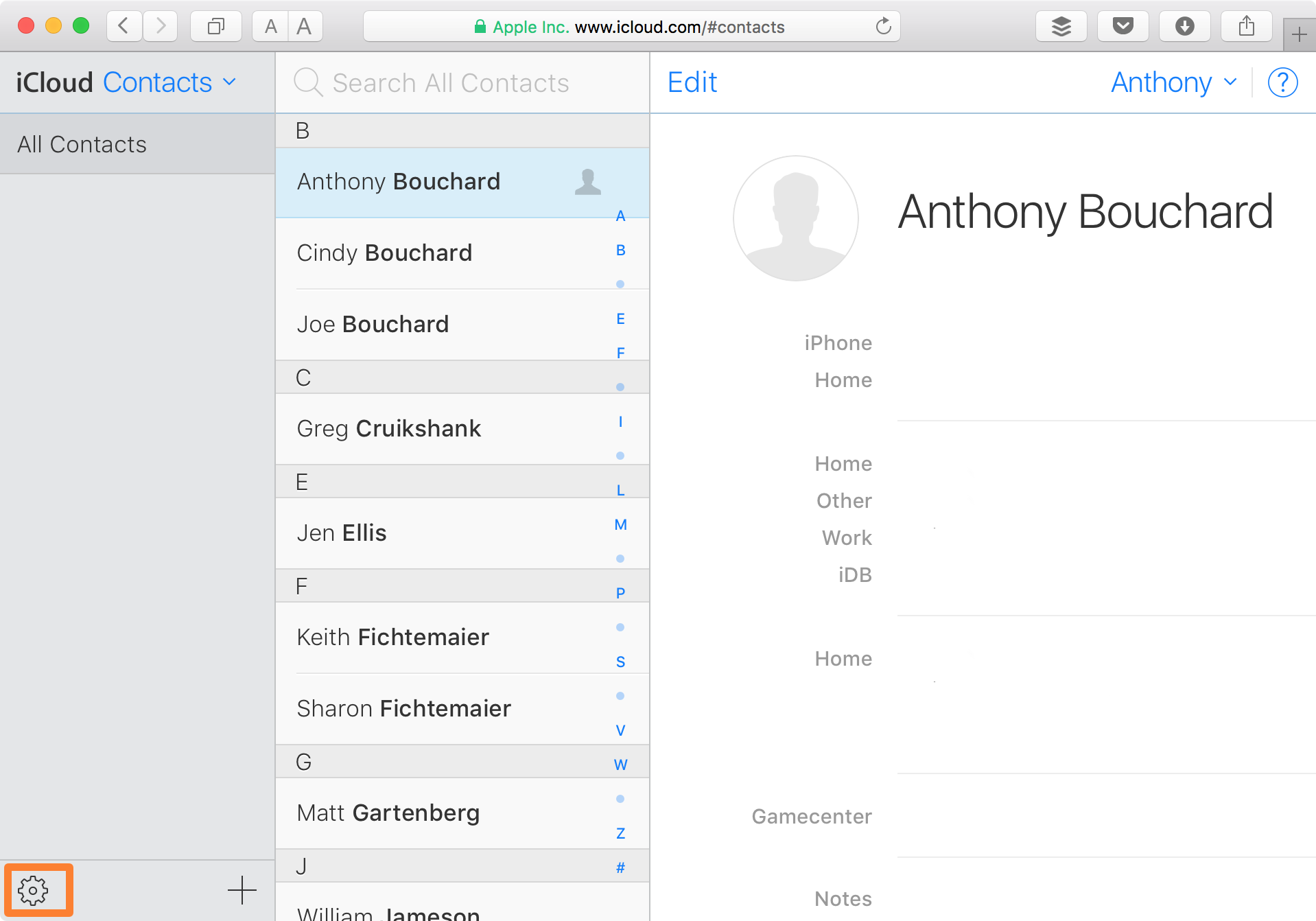 iCloud Website Contacts Settings Button