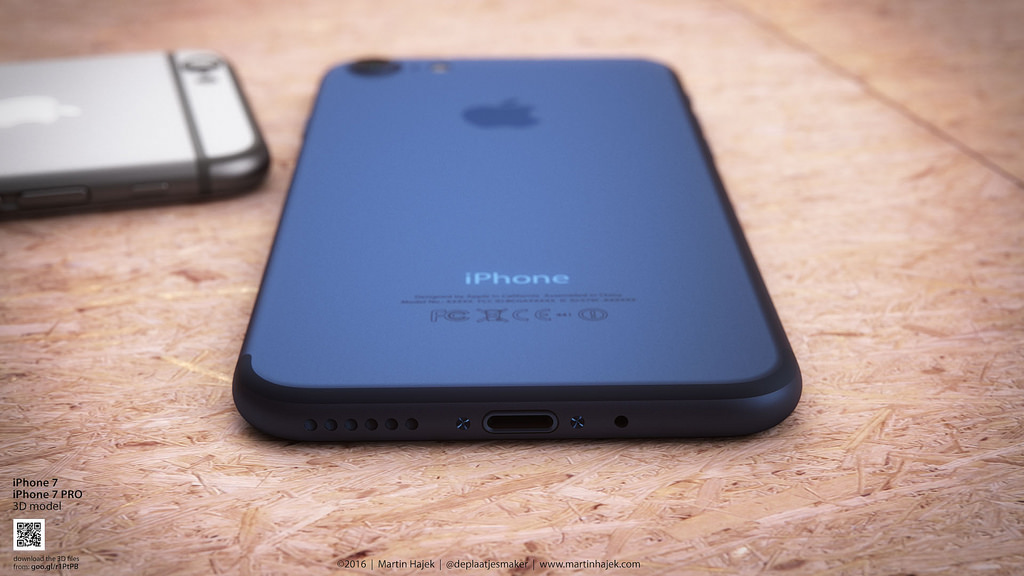 iPhone 7 dark blue Martin Hajek 005
