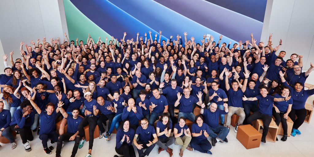 Apple Store employees image 001