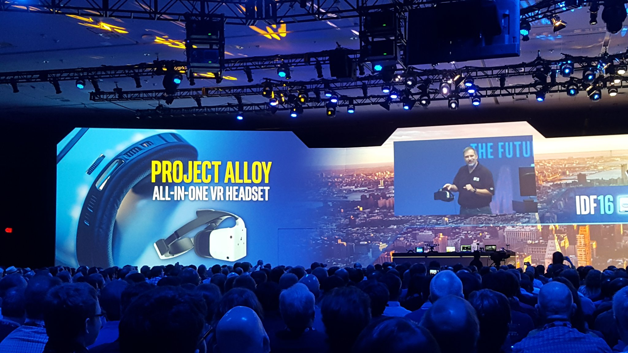 Intel Project Alloy 001