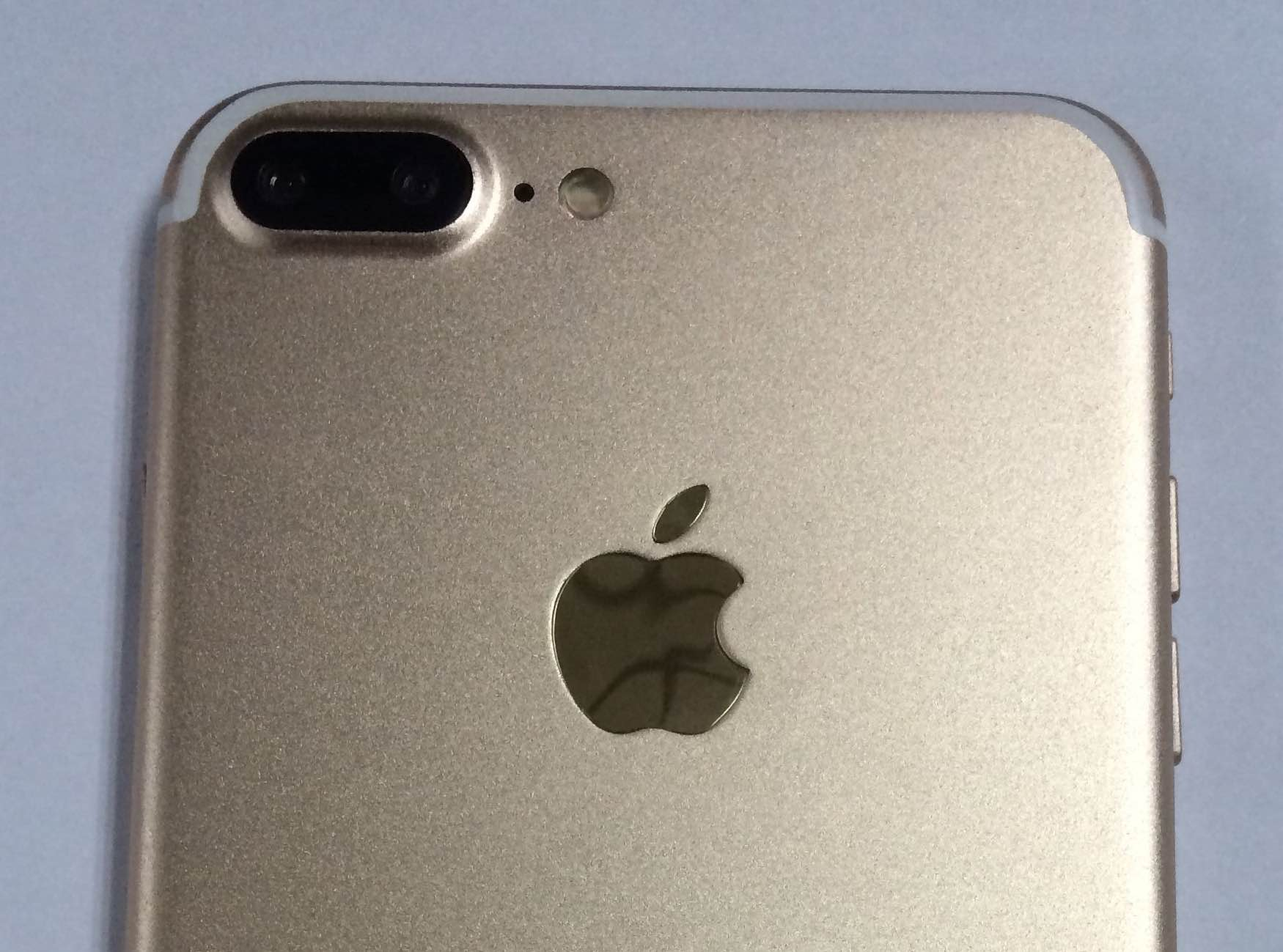 iPhone 7 backside teaser leak 001