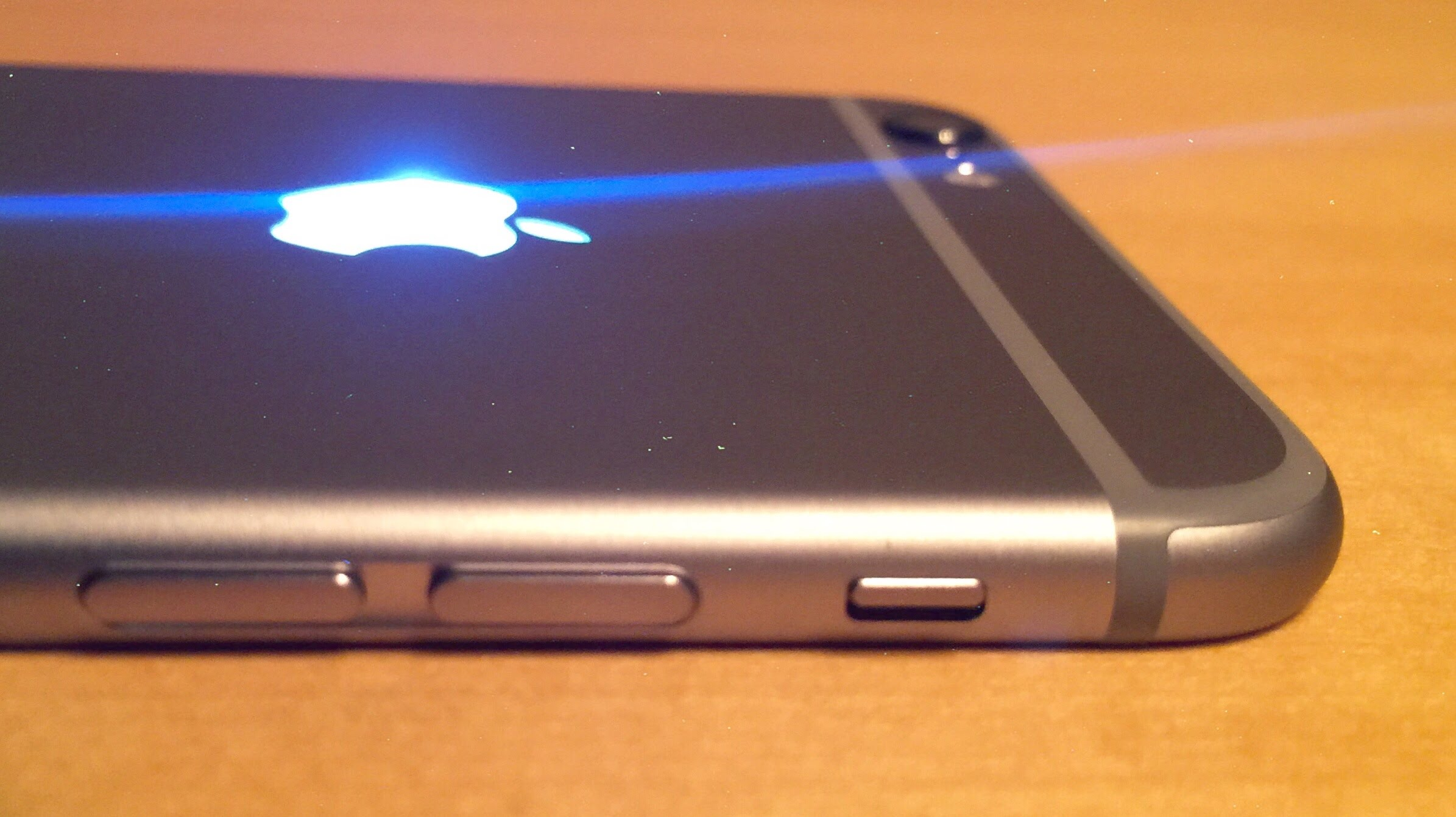 How to install a glowing Apple logo on iPhone 6s f8faf28ff