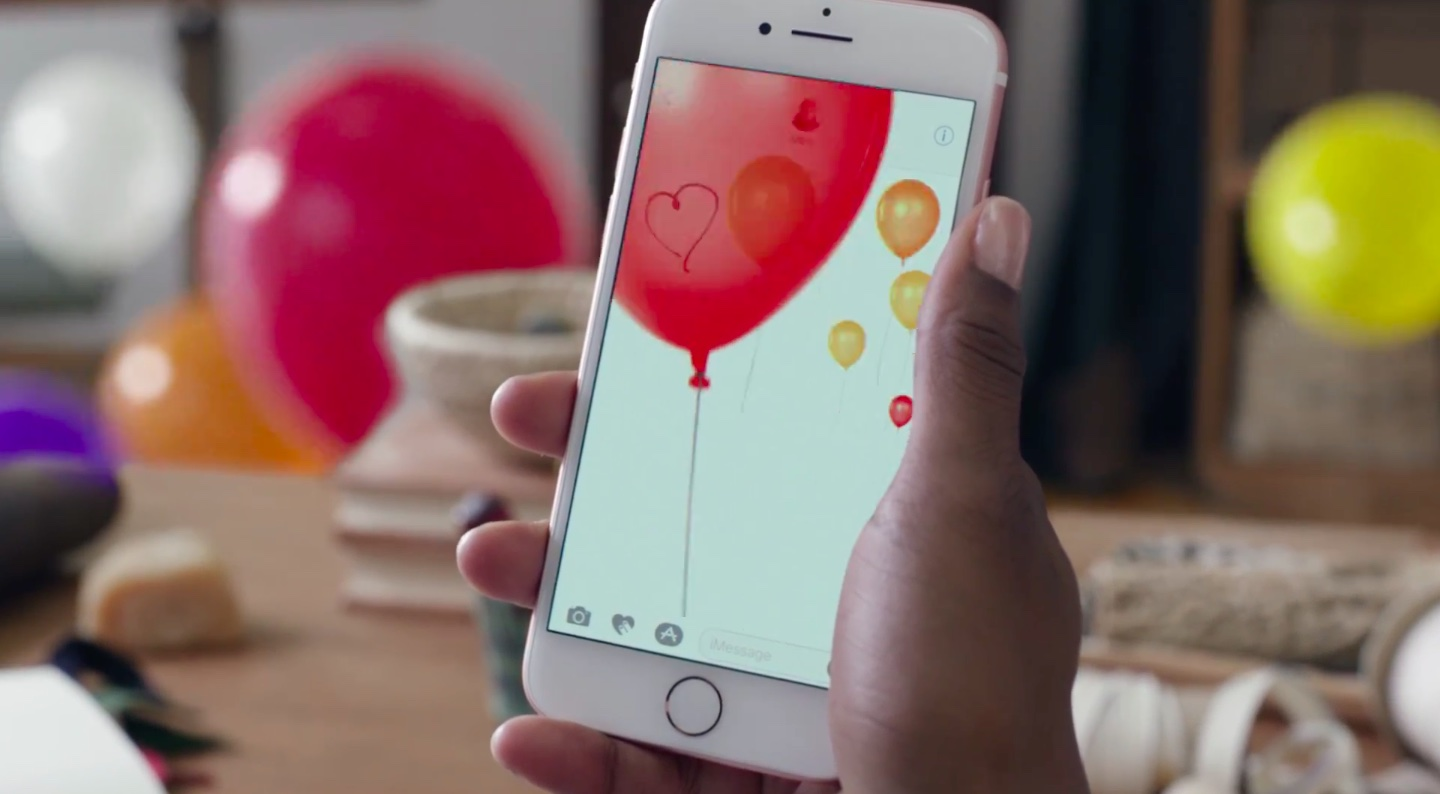 Apple iPhone 7 ad Balloons image 003