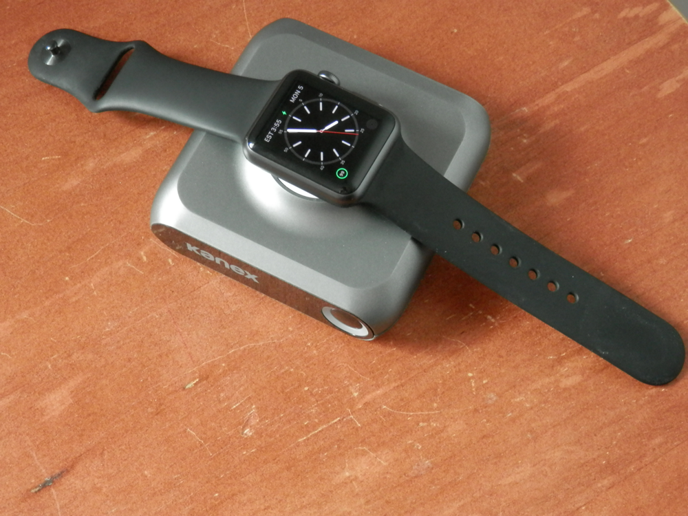Kanex GoPower Watch with Apple Watch Sport