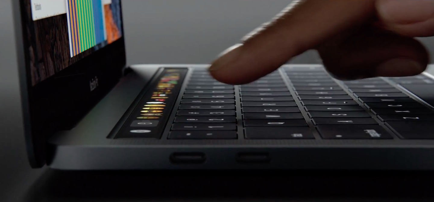 MacBook Pro Touch Bar finger image 003