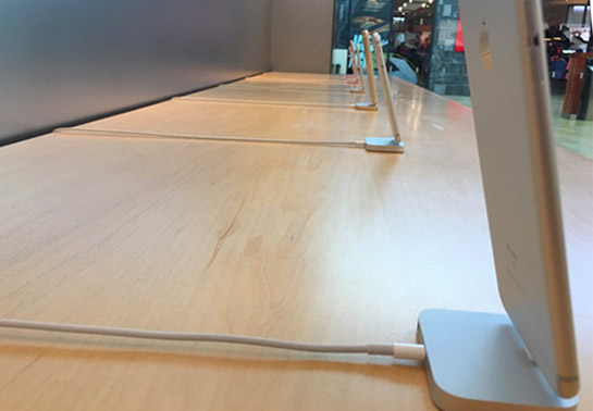 apple store canada iphone-security-tethers-removed