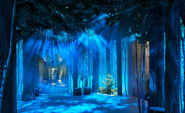 Claridges hotel Jony Ive Christmas festive installation