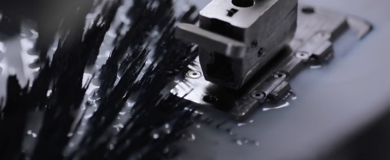 iPhone 7 jet black manufacturing image 001