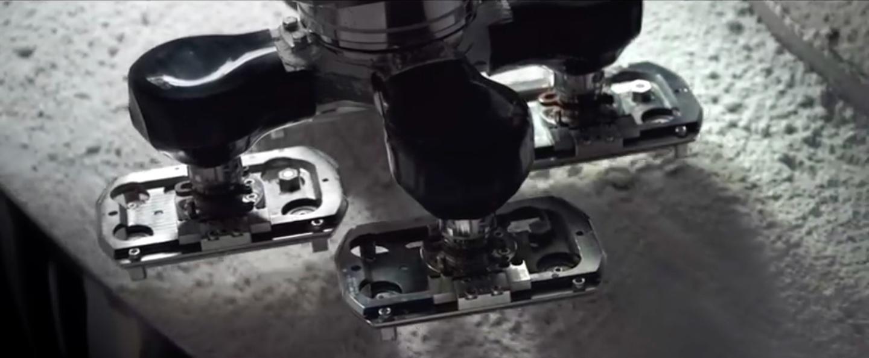 iPhone 7 jet black manufacturing image 004
