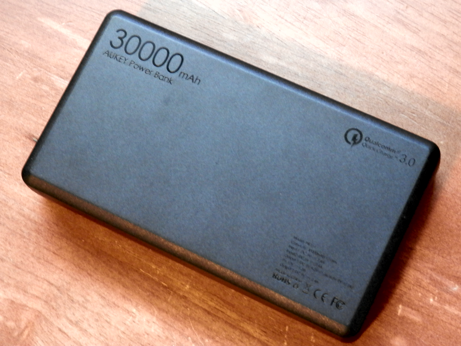Aukey 30000 mah battery pack branding