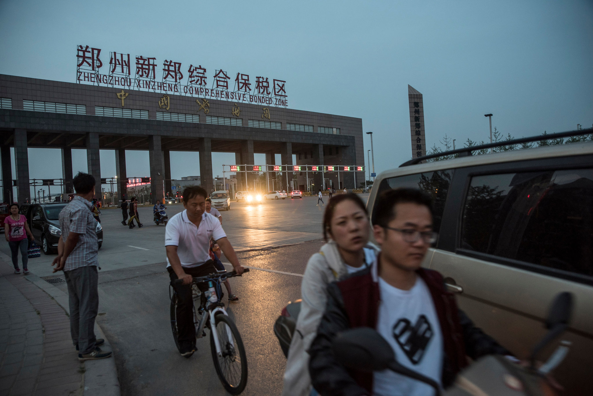 Foxconn iPhone City Zhengzhou image 003