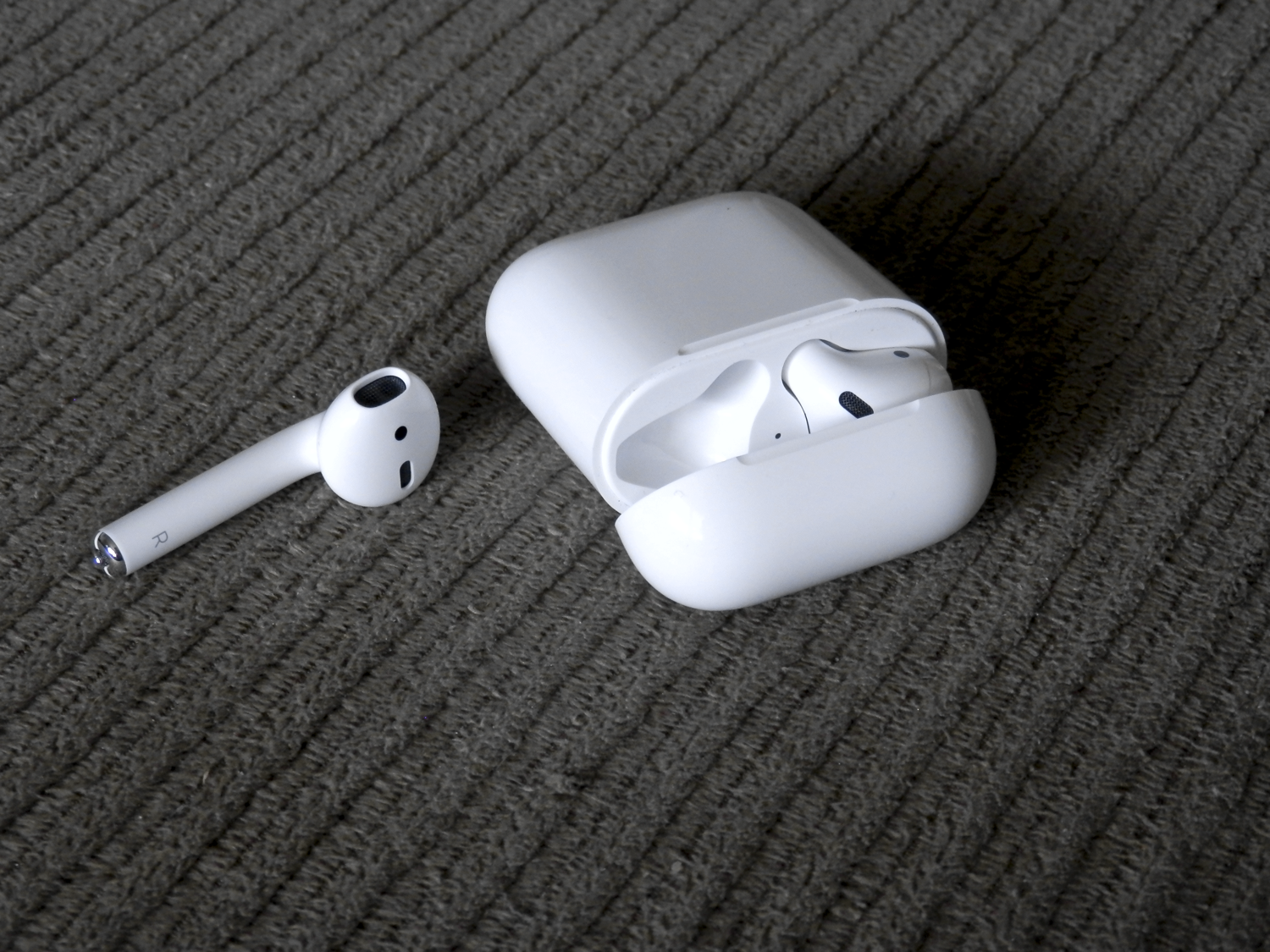 Apple Updates Airpods Firmware To Version 3 5 1