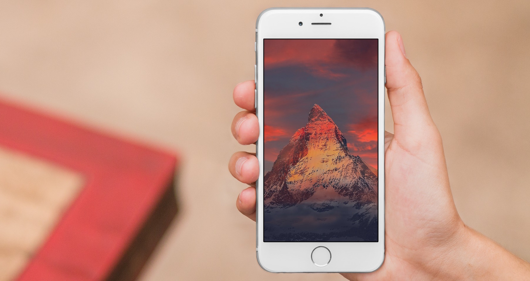 red wallpapers for iphone