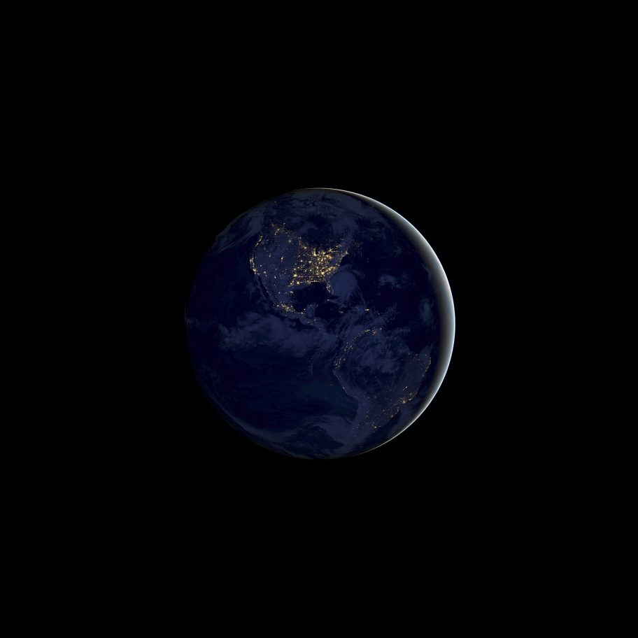 Tapeta iOS 11 (Ziemia)