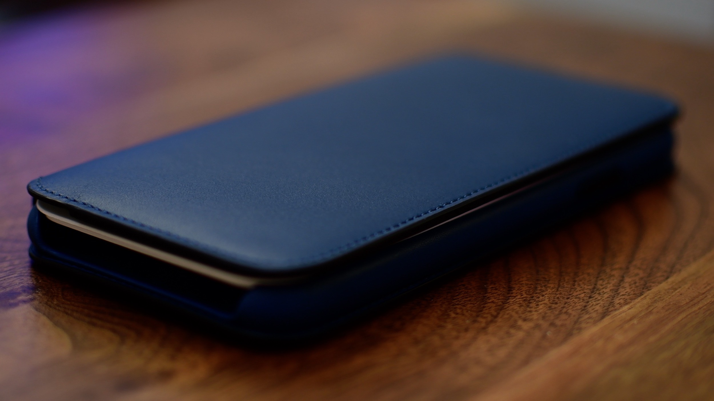 official photos f88ac 39fba Hands on with Apple's folio case for iPhone X—but is it worth $99?