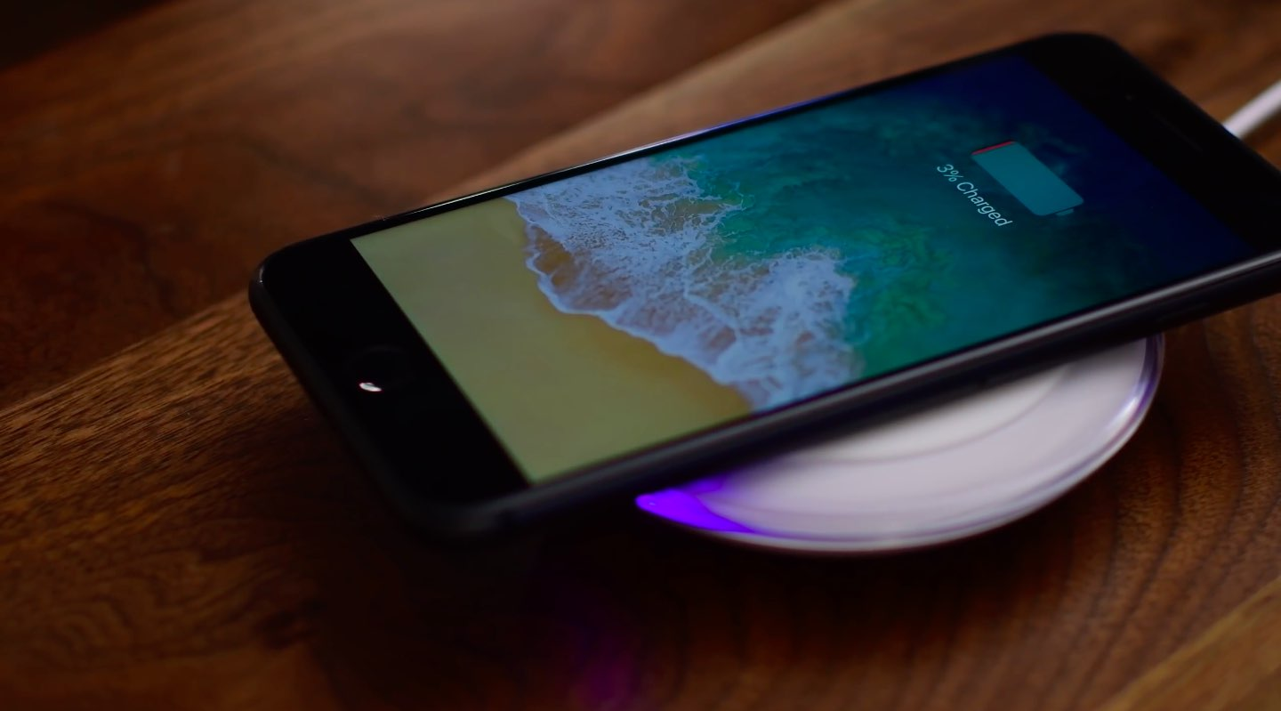 newest 2faec 1adc6 Juicing up your iPhone 8 & iPhone X using Samsung's 10W Qi wireless ...