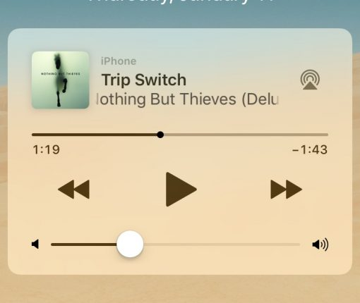Music widget on Lock screen