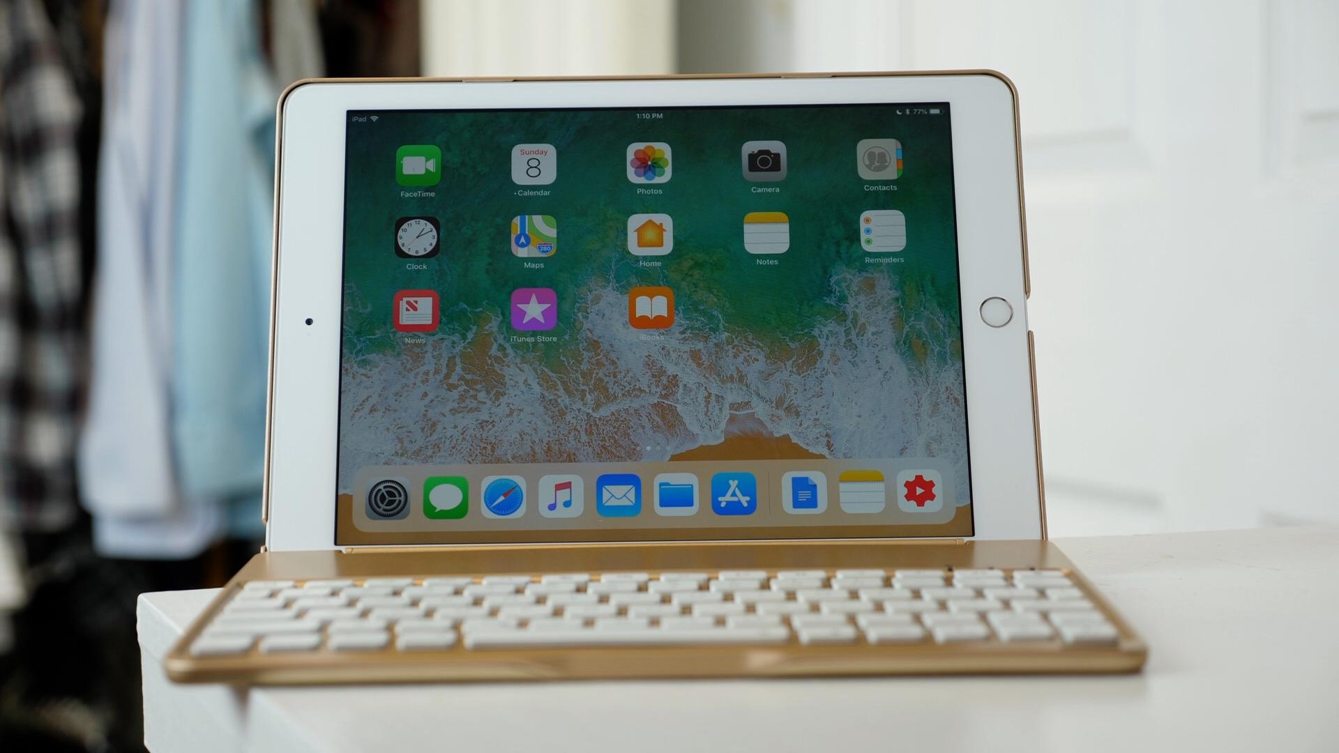 iEGrow F8S iPad keyboard case