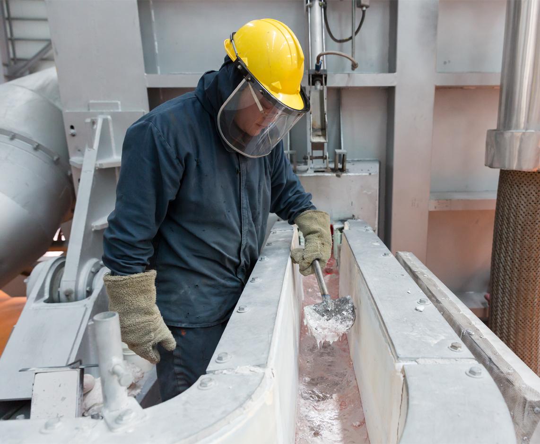 Apple aluminum manufacturing