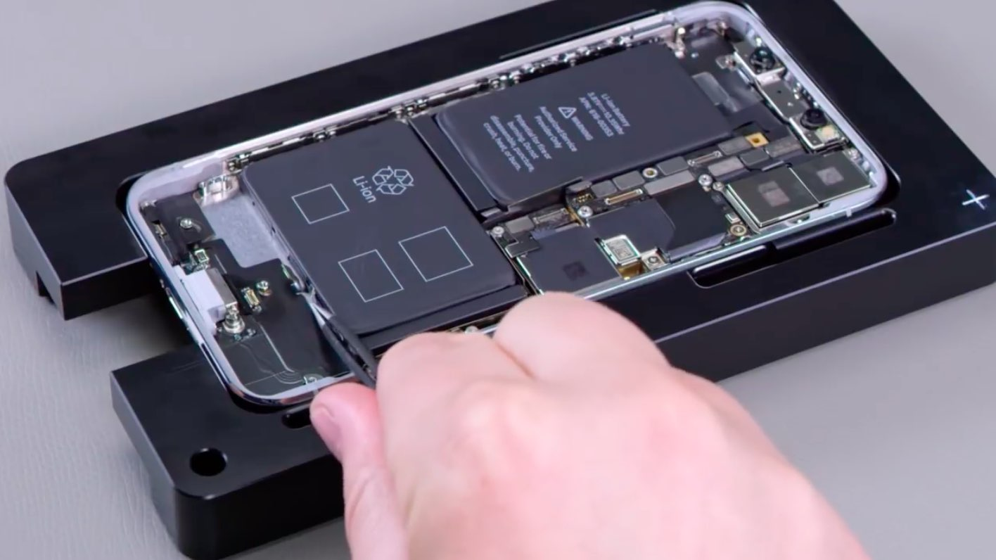 best service 40a28 2e76c Leaked Apple videos describe repair process for iPhone X, MacBook ...