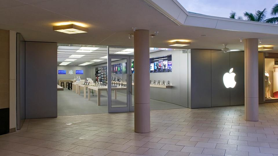 Apple Temporarily Closes Florida S Waterside Shops Store