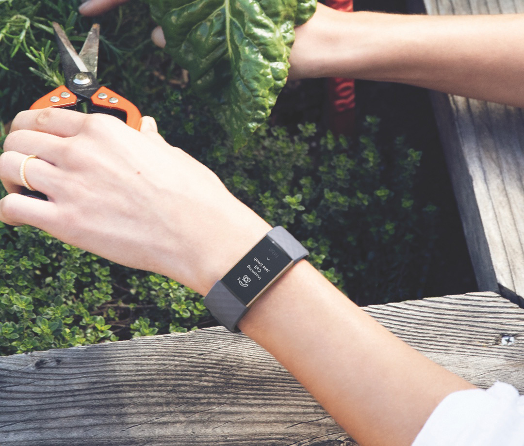 Fitbit announces Charge 3 with fresh design, updated screen and