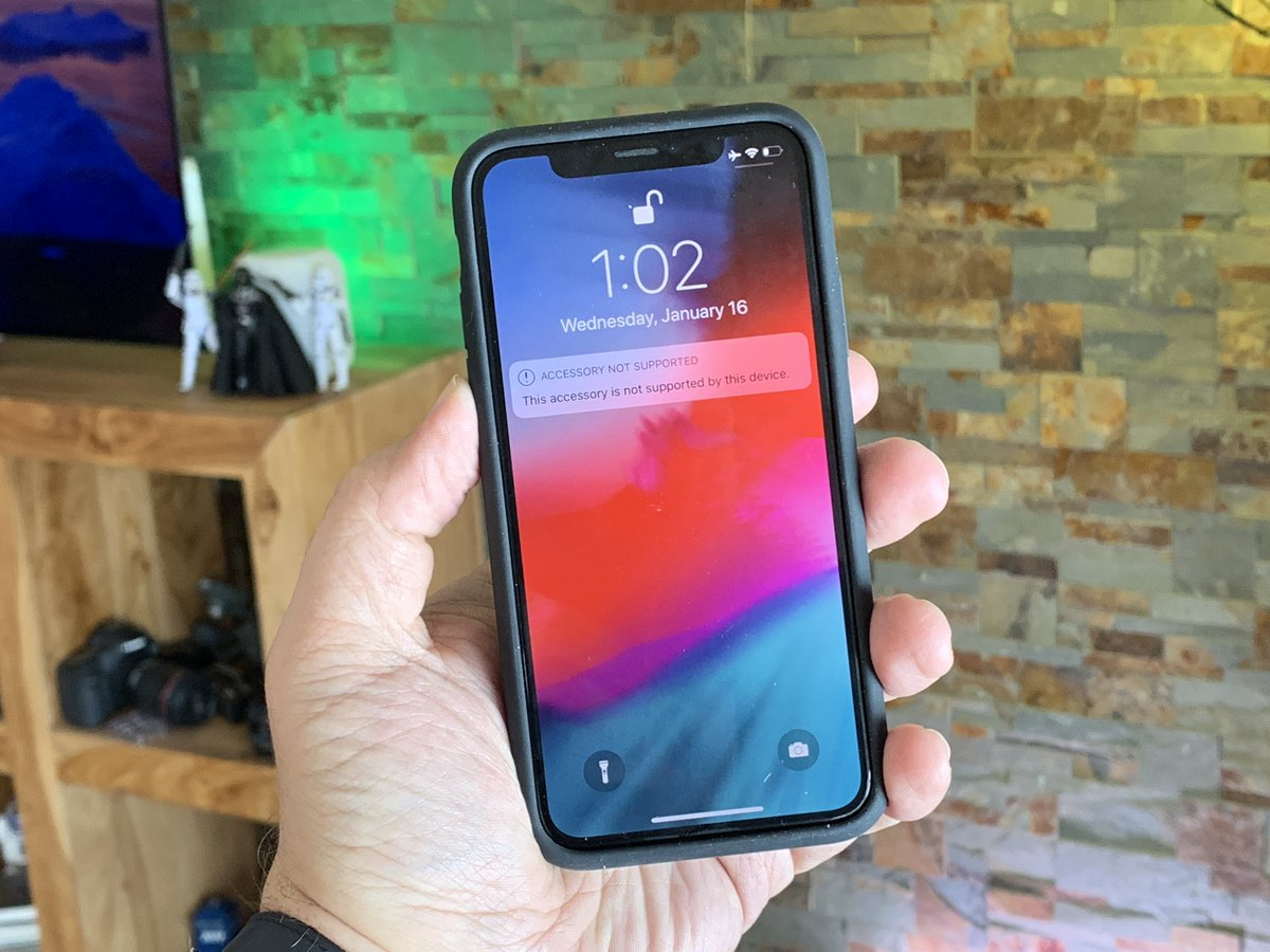 Apple S New Smart Battery Case Fits An Iphone X But Charging