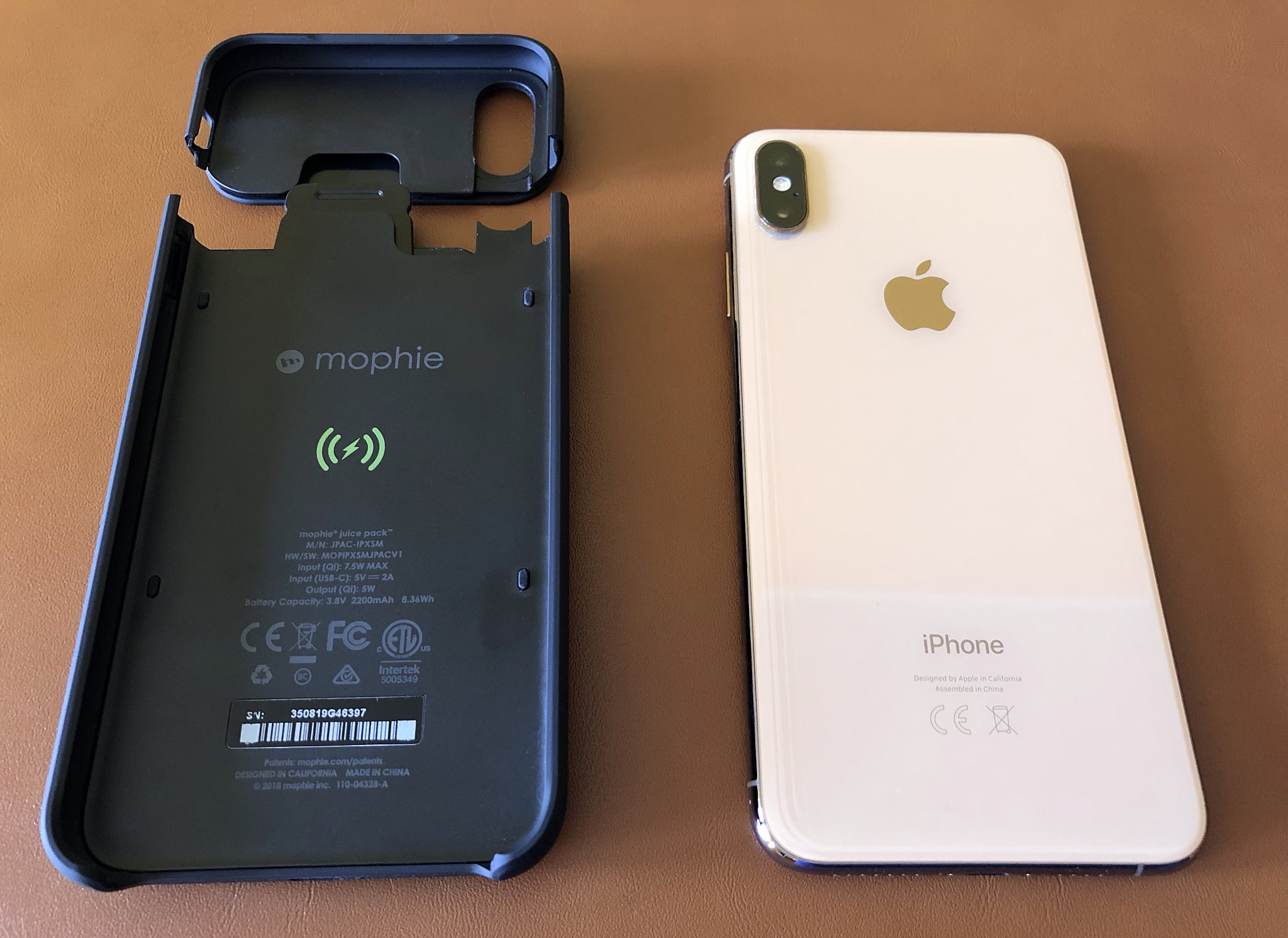designer fashion 729b8 36c68 Review: Mophie's Juice Pack Access battery case supports wired ...