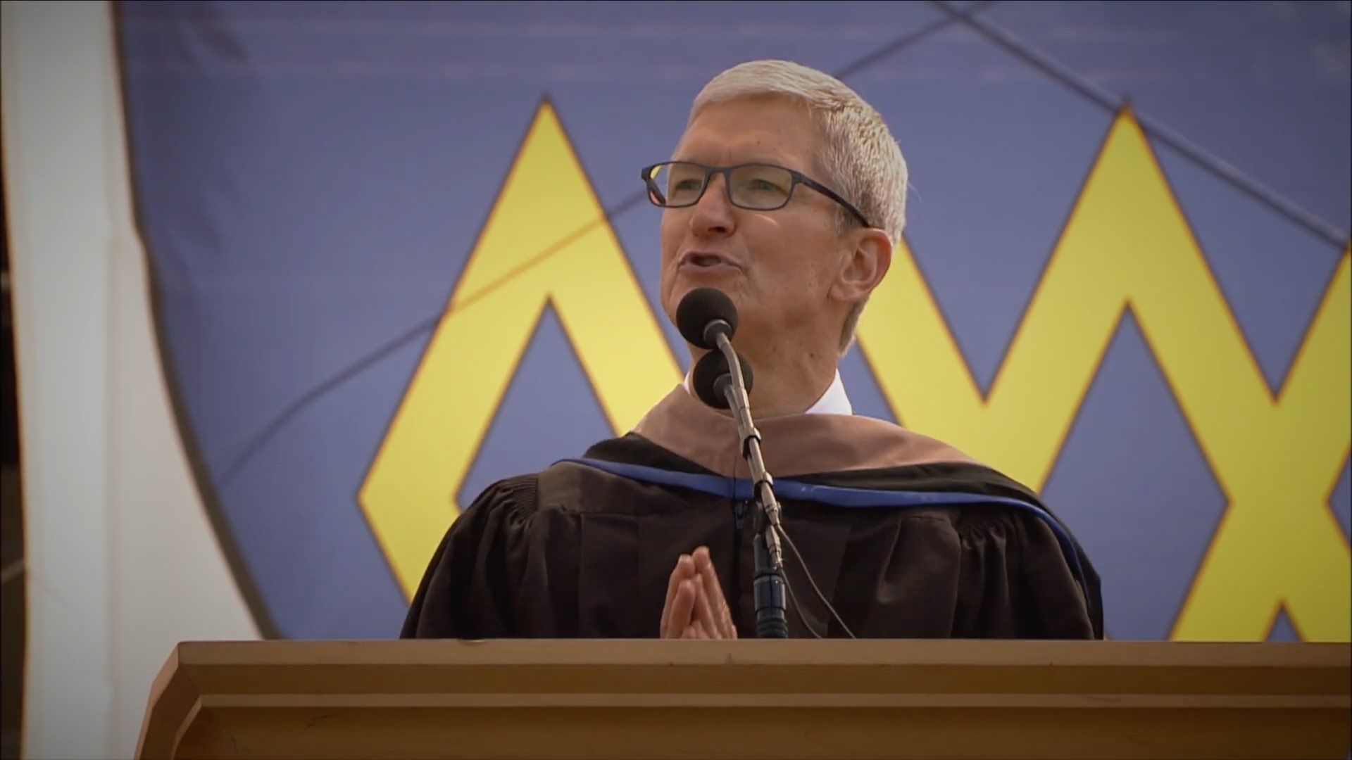 VIDEO: Tim Cook talks privacy, Steve Jobs and more in Stanford 2019