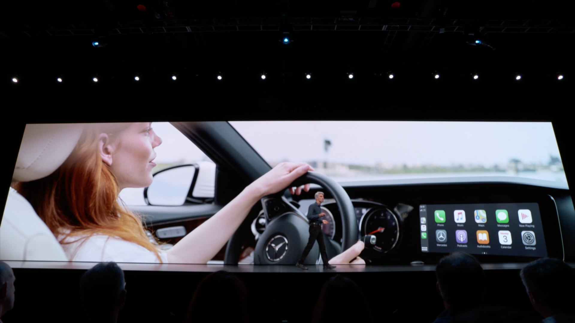 iOS 13's CarPlay features include Light theme, Dashboard, album art